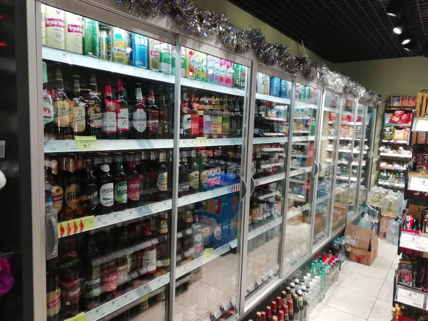 Холодильное оборудование для мини-маркета